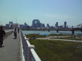 淀川越えた